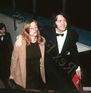 * 4 марта 1969 года Пол и Линда посещают лондонскую премьеру фильма Isadora.