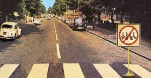 На зебре у Abbey Road может появиться регулировщик