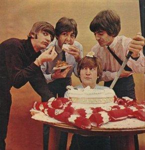 По этому поводу предлагаю хряпнуть тортик!