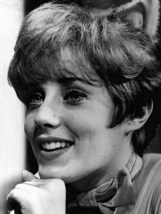 'It's My Party' Singer-Songwriter Lesley Gore Dies at 68