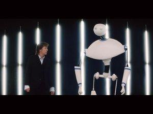 Героем нового клипа Маккартни Appreciate стал робот-андроид