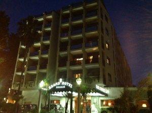 Отель буржуйский, примыкает к Вилле Боргезе (прямо через дорогу).