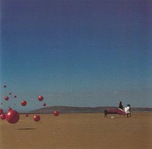 Между выходом Roses в 2012 году и предыдущим альбомом Wake Up and Smell the Coffee прошло больше 10 лет.