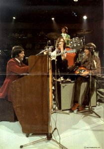 * The Beatles performing Hey Jude on the David Frost show, September 1968.