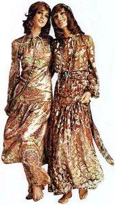 Мода конца 1960-х годов испытывает влияние движения хиппи.