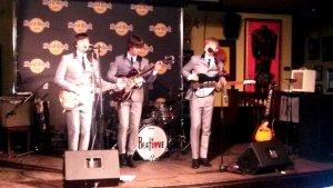 Кстати наша группа The Beatlove,единственная в России которой разрешили исполнять песни Битлов, туда тоже поехали, правда не знаю на выступление или просто посмотреть.