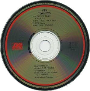 Сегодня снова разок переслушал Tormato. Всё-таки я остаюсь при своём мнении - в 1978 году Yes как раз не хватало такого нормального восьмипесенного альбома без эпиков. Есть конечно первые 2, но они были уже давно, и на каждом из них по два кавера. Поэтому, если бы я жил в 1978м, то выходу Tormato я бы только порадовался!