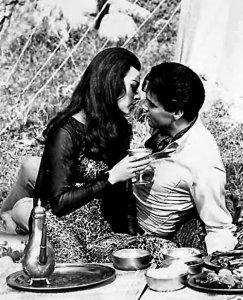 Elvis & Fran Jeffries (Harum Scarum, 1965)