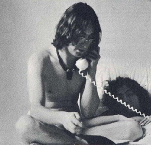 eroticheskie-fotografii-dzhona-lennona