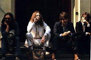 Дэвид Кэмерон попытался воссоздать обложку Abbey Road