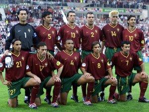 ...вот только для меня сборная Португалии всегда будет ассоциироваться в первую очередь с командами 2000/2004 годов. Всё-таки результат - это далеко не всё даже в футболе...