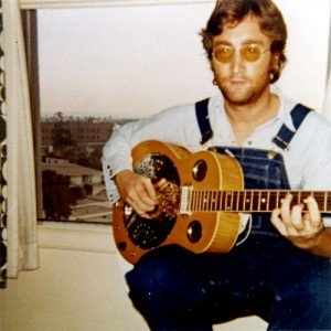 * Джон Леннон - мультиинструменталист (фото) *
