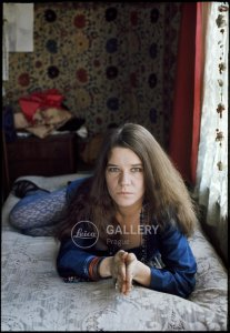Дженис Джоплин в своей квартире на улице Лион в Сан-Франциско, 1968/