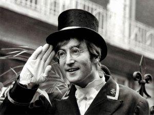 9 октября, по случаю 76-го дня рождения Джона Леннона, в Арт-гостиной Белинки будет устроена «видео+виниловая» вечеринка. Вы все приглашены!