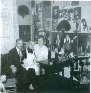 Astrid with her (then) in laws, Gibson Kemp's parents.