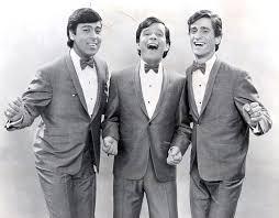 Les Baronets - C'est Fou Mais C'est Tout ( Hold Me Tight ) ( 1964 ) >https://www.youtube.com/watch?v=MHc_5FbpxLo