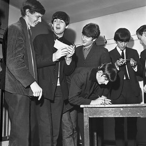 1963.12.01 – Leicester. De Montfort Hall 01