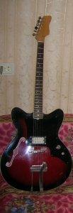 Вот еще из чешских немного переделанная Jolana Special. купленная мною 1978 году. До сей поры звучит.