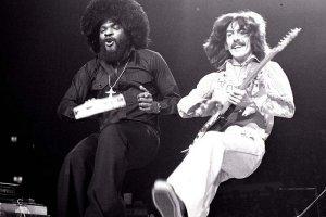 Джордж и Билли Престон, надо сказать, что Билли был известным танцором, который научил плясать не одну звезду, например, Майкл Джексон учился двигаться у Престона.