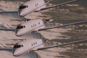 В сцене, где нам показывают самолет ФБР летит с Дайаной в федеральную тюрьму Янктона в Сиу-Сити, можно заметить, что иллюминаторы у него мигают определенным образом. Сайт welcometotwinpeaks.com указывает что это зашифрованное сообщение: