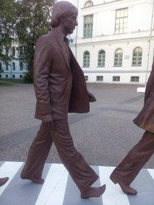 В Томске появился памятник The Beatles