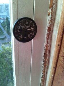 Вот термометр авиационный.У меня на лоджии, хоть на Ebay выставляй!)))