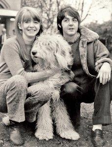* Кстати, в этой куртке (или похожей) Пол засветился еще в 1968 году.