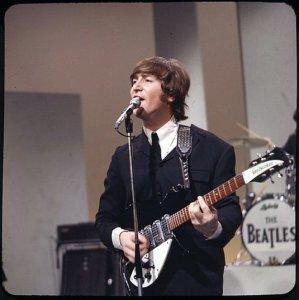 14 августа 1965: Битлз на гастролях в США. Они в четвертый раз выступают на Ed Sullivan Show