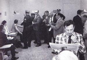 15 августа 1965 Концерт Битлз на стадионе Shea, Нью-Йорк.  Брайан и Битлз за кулисами