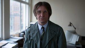 Иэн Харт снова в образе Джона Леннона. Действие короткометражного фильма Snodgrass происходит в 1991 году.