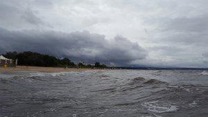 Зайти в воду было легче, чем в субботу утром в Одессе - меньший контраст температур воды и воздуха. Хотя в Гданьске вода и была немного холодней нашей