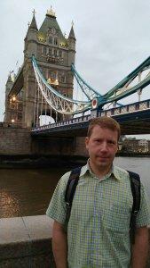 Вечером народ разбрелся кто куда. Мы например пошли прогуляться по набережной неподалеку от Tower Bridge в поисках хорошего Гиннеса.