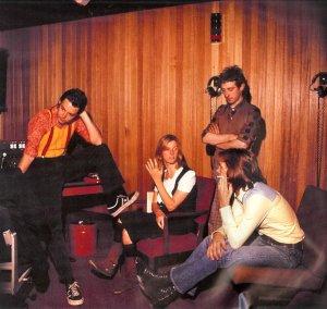 * Новая находка - одно из ранних фото группы Wings.