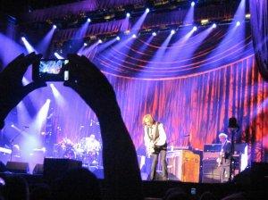 Вспоминаю Гамбург 2012. Офигительный был концерт. И ребята с b.ru, и немцы, сидящие рядом со мной (сидел довольно близко) - на одной волне! Прекрасные воспоминания, спасибо, Том!