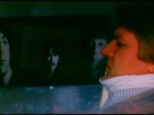 Битлз болгарский - кадр из фильма Русский регтайм (1993). Режиссер Сергей Урсуляк. Дмитрий Марьянов в одной из главных ролей.