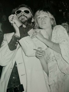 Ringo Starr with Samantha Juste (Dolenz) in 1976, during the Wings Over America tour.