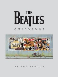 22 октября 2000 Битлз Anthology является номером 1 в списке New York Times Best Seller List