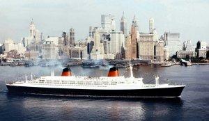 Как известно, Пол выбрал для работы США и вместе с семьёй (женой Линдой и двумя дочерьми - семилетней Хизер, дочкой Линды от первого брака, которую Пол удочерил и малышкой Мэри, ей на тот момент был всего годик) прибыл в Нью-Йорк на трансантлантическом лайнере (теплоходе) SS France в октябре 1970 года.
