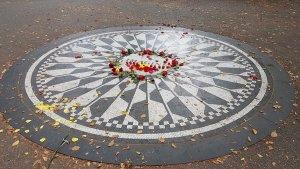 Мир вспоминает Джона Леннона