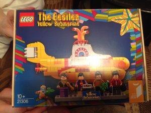 Я полагаю, что такие наборы Лего продаются по всему миру. Лего-артикул 21306.