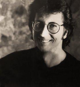Этан Рассел – главный фотограф. До встречи с Битлз он провёл несколько хороших фотосессий с The Rolling Stones. Его снимки привлекли внимание Нила Аспиналла, и он пригласил Рассела в студию Twickenham на сессию 7 января для фотографирования группы. Рассел был в числе трёх фотографов на заключительной официальной фотосессии Битлз 22 августа 1969 года, состоявшейся в парке Титтенхерст.