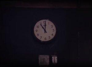 В 11 часов первыми прибыли Джон с Йоко и Джордж. 01