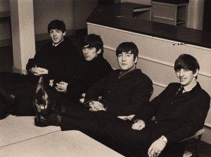 Пошла ниточка за иголочкой. Тогда этот снимок тоже в Бристоле, 15 ноября 1963.