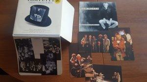 Вот такой замечательный промо-сингл с фотками и слипкейзом пришел. Все наши ребята присутствуют. Пересмотрел заодно клип на эту песню - очень классный. Практически Traveling Wilburys Vol.2.