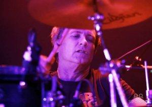 Скончался один изоснователей американской рок-группы Mr. Big, барабанщик ПэтТорпи, очемколлектив сообщил втвиттере.