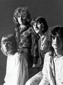 LZ, 1968. Полный вариант известной фотографии.