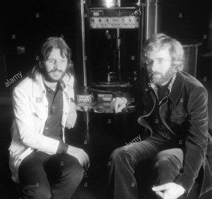 * Ринго Старр и дизайнер Robin Cruickshank даже организовали выставку своих изделий в Лондоне осенью 1971 года.