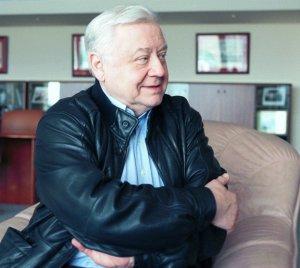 В Москве на 83-м году жизни скончался художественный руководитель МХАТ им. Чехова, актер и режиссер Олег Табаков.