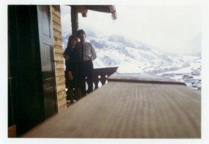 Не понятно - то ли когда Хэлп снимали в 65, то ли, когда уже вдвоем в марте 66 на швейцарском Клостерсе отдыхали
