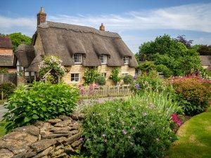 Дачный сезон Rookery Nook cottage, Ashton under Hill by Bob Radlinski